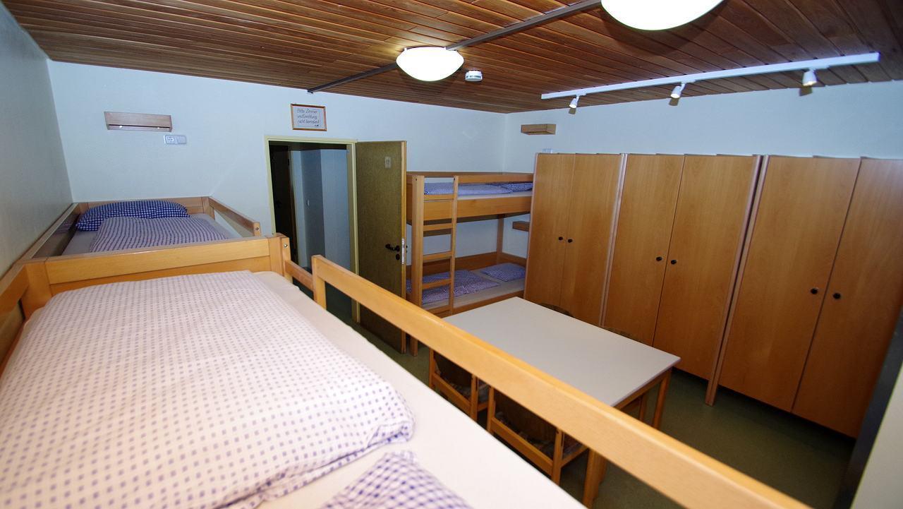 Zimmer mittleres Geschoss (gelb)tleres-geschoss-01
